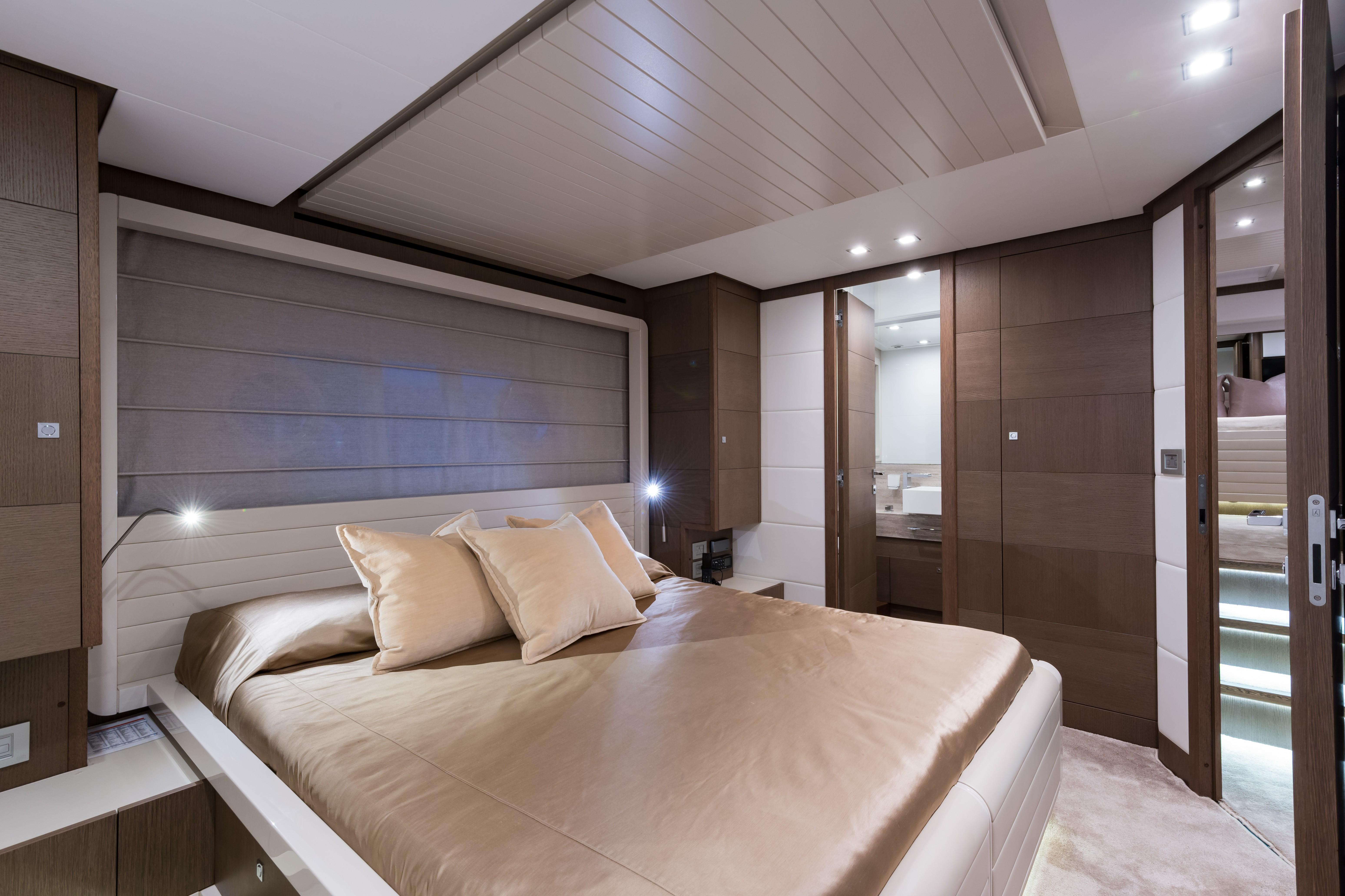 Janus Navem, 870 Ferretti Port Guest Stateroom