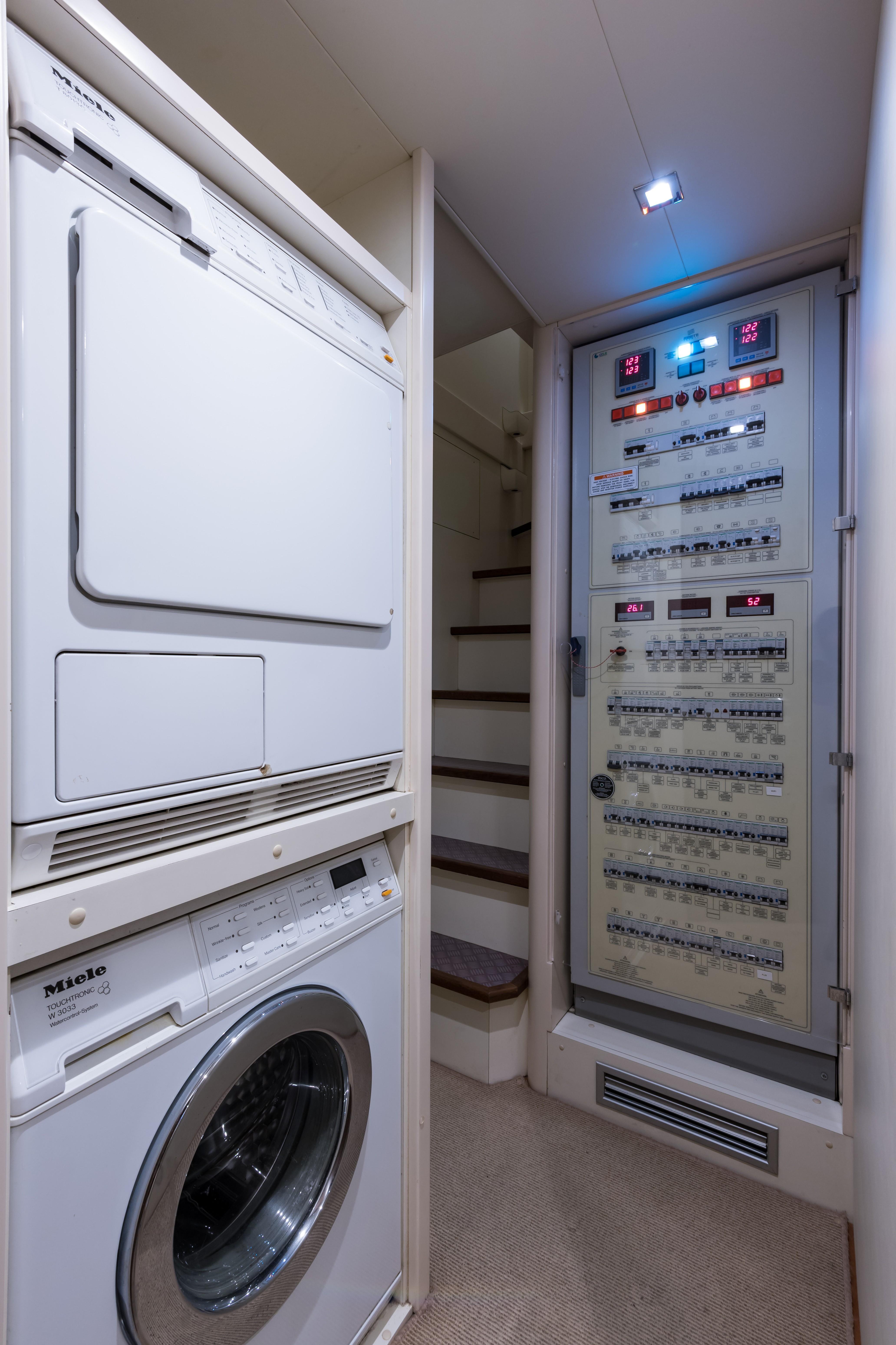 Janus Navem, 870 Ferretti Crew Area Washer and Dryer