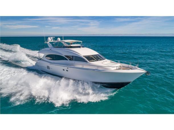 80 ft Lazzara Motor Yacht / Flybridge