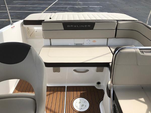 2018 Bayliner boat for sale, model of the boat is VR 5 BR & Image # 6 of 10