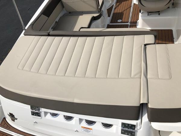 2018 Bayliner boat for sale, model of the boat is VR 5 BR & Image # 7 of 10