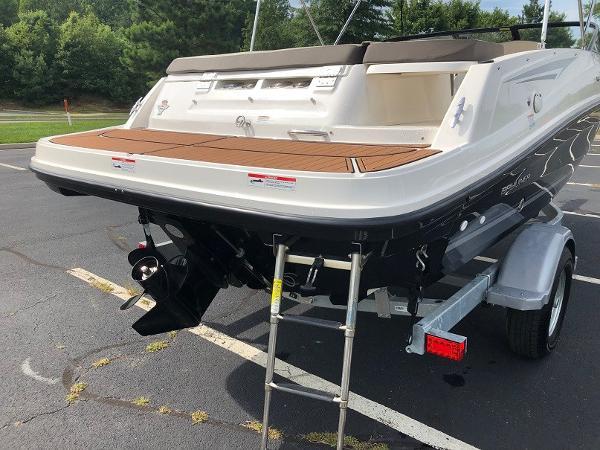 2018 Bayliner boat for sale, model of the boat is VR 5 BR & Image # 10 of 10