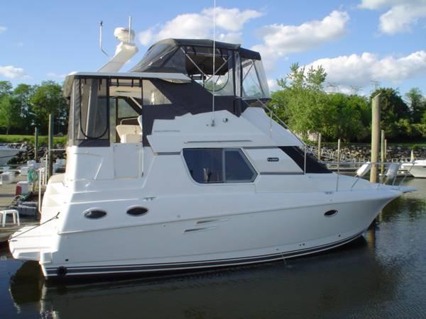 32' Silverton 322 Motor Yacht