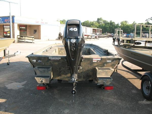 2018 Tracker Boats boat for sale, model of the boat is GRIZZLY® 1654 T Sportsman & Image # 3 of 4