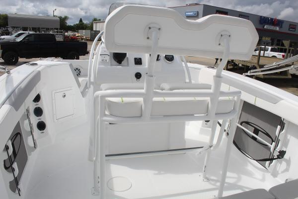 2020 Tahoe boat for sale, model of the boat is 2150 CC & Image # 5 of 17
