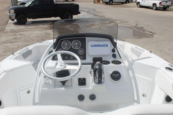 2020 Tahoe boat for sale, model of the boat is 2150 CC & Image # 6 of 17