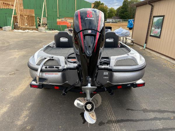 2021 Nitro boat for sale, model of the boat is Z18 Pro & Image # 3 of 19