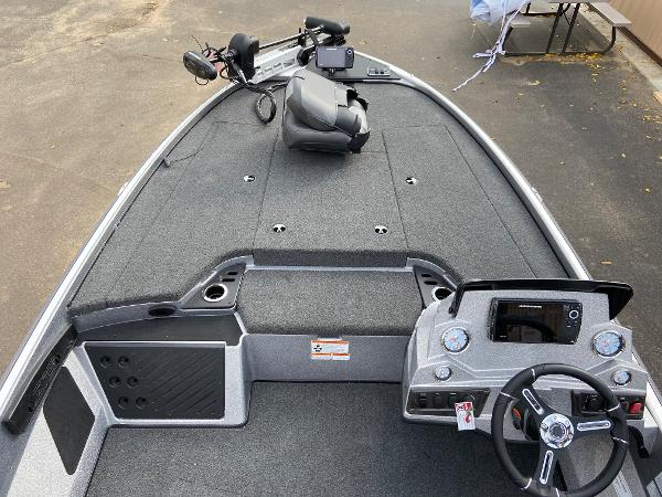 2021 Nitro boat for sale, model of the boat is Z18 Pro & Image # 4 of 19