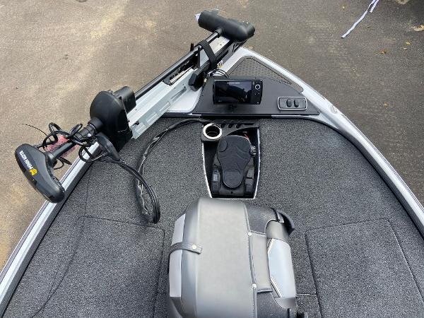 2021 Nitro boat for sale, model of the boat is Z18 Pro & Image # 8 of 19