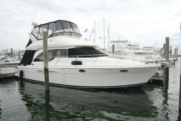 Meridian 381 Convertible Boats. Listing Number: M-945779 38' Meridian 381