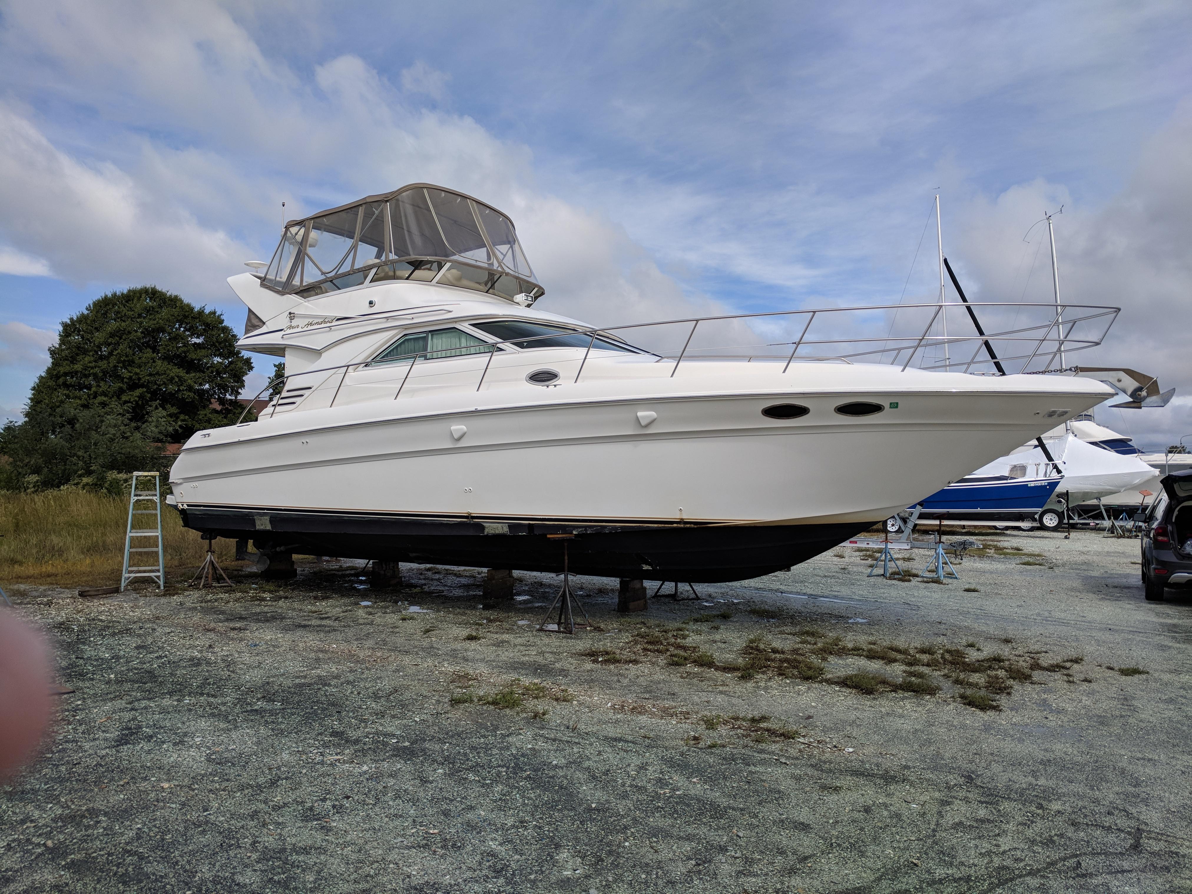 40 ft Sea Ray 400 Sedan Bridge | Executive Yacht Canada