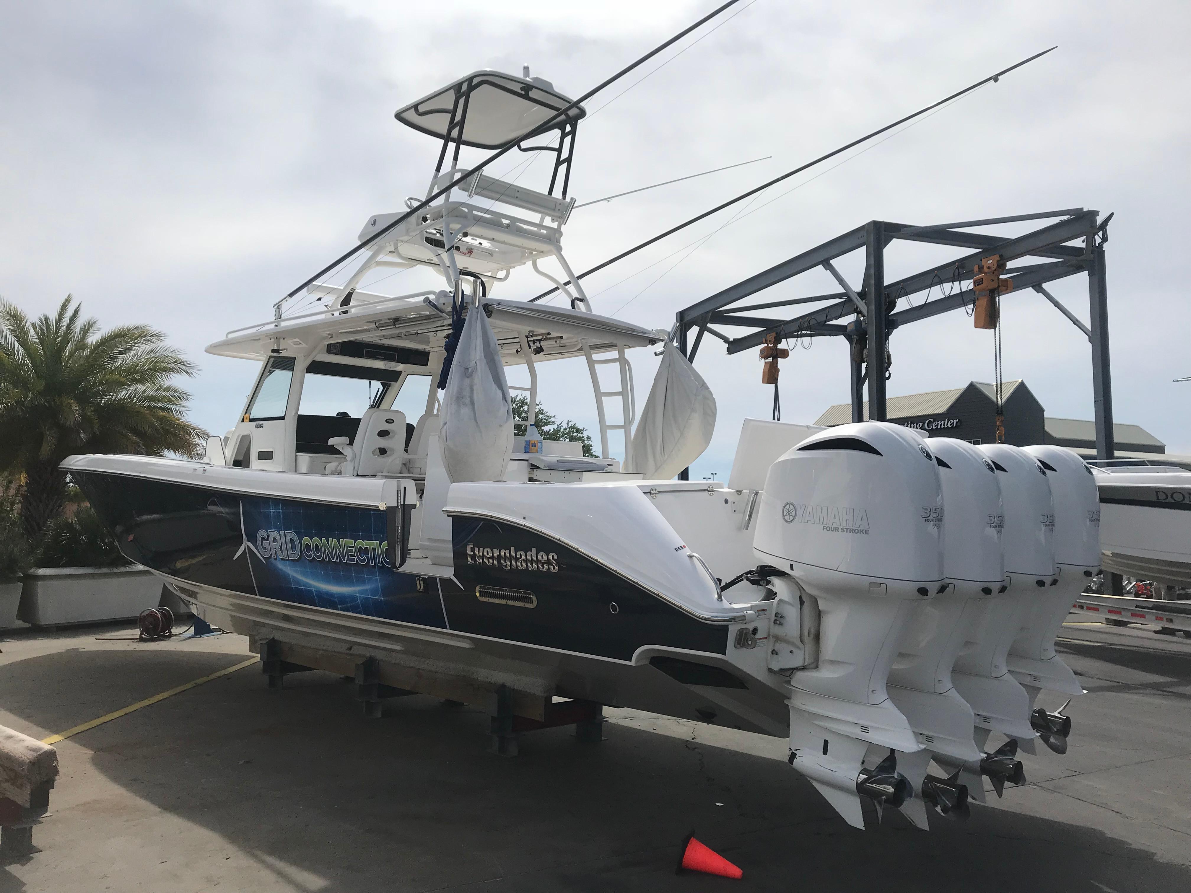 Grid Connection 2016 43 Everglades Starboard Quarter