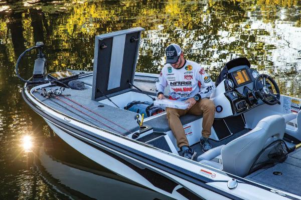 2019 Nitro boat for sale, model of the boat is Z18 & Image # 19 of 61