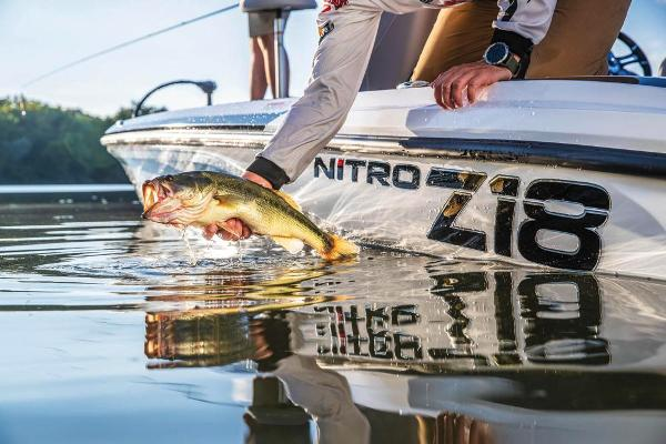2019 Nitro boat for sale, model of the boat is Z18 & Image # 21 of 61