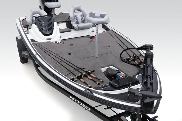2019 Nitro boat for sale, model of the boat is Z18 & Image # 29 of 61