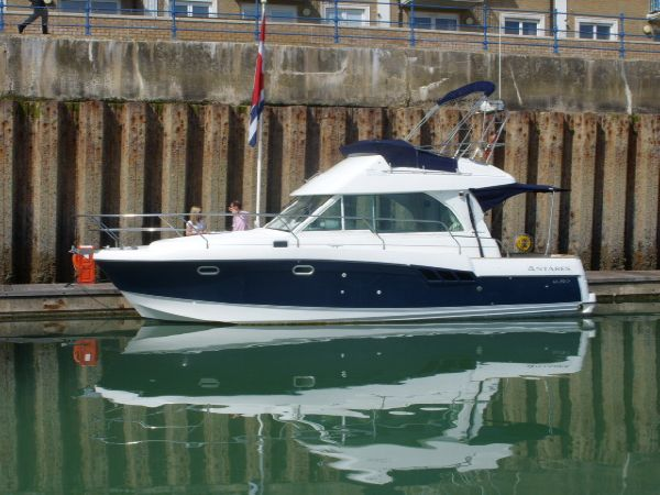Beneteau Antares 980 Boat For Sale