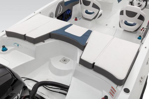 2019 Tahoe boat for sale, model of the boat is 550 TS & Image # 37 of 57