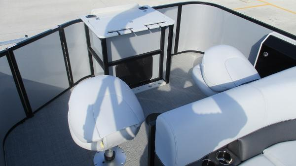 2021 Bentley boat for sale, model of the boat is 243 Fish-N-Cruise & Image # 16 of 60