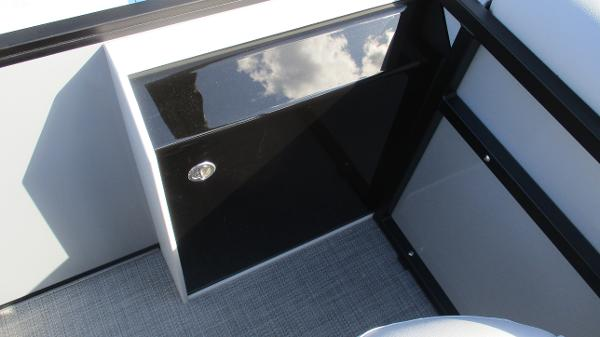 2021 Bentley boat for sale, model of the boat is 243 Fish-N-Cruise & Image # 19 of 60