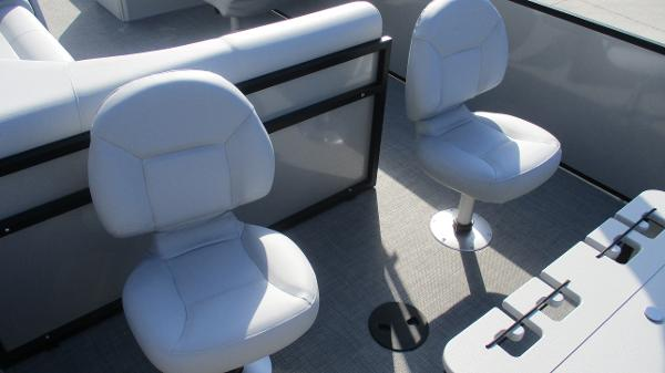 2021 Bentley boat for sale, model of the boat is 243 Fish-N-Cruise & Image # 21 of 60