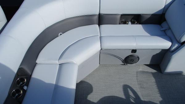 2021 Bentley boat for sale, model of the boat is 243 Fish-N-Cruise & Image # 25 of 60