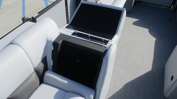 2021 Bentley boat for sale, model of the boat is 243 Fish-N-Cruise & Image # 33 of 60