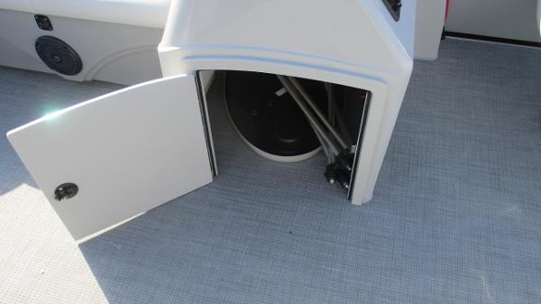 2021 Bentley boat for sale, model of the boat is 243 Fish-N-Cruise & Image # 44 of 60