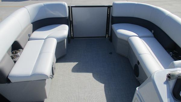 2021 Bentley boat for sale, model of the boat is 243 Fish-N-Cruise & Image # 45 of 60