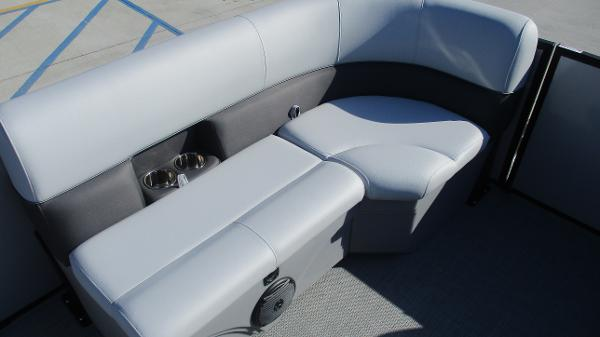 2021 Bentley boat for sale, model of the boat is 243 Fish-N-Cruise & Image # 46 of 60