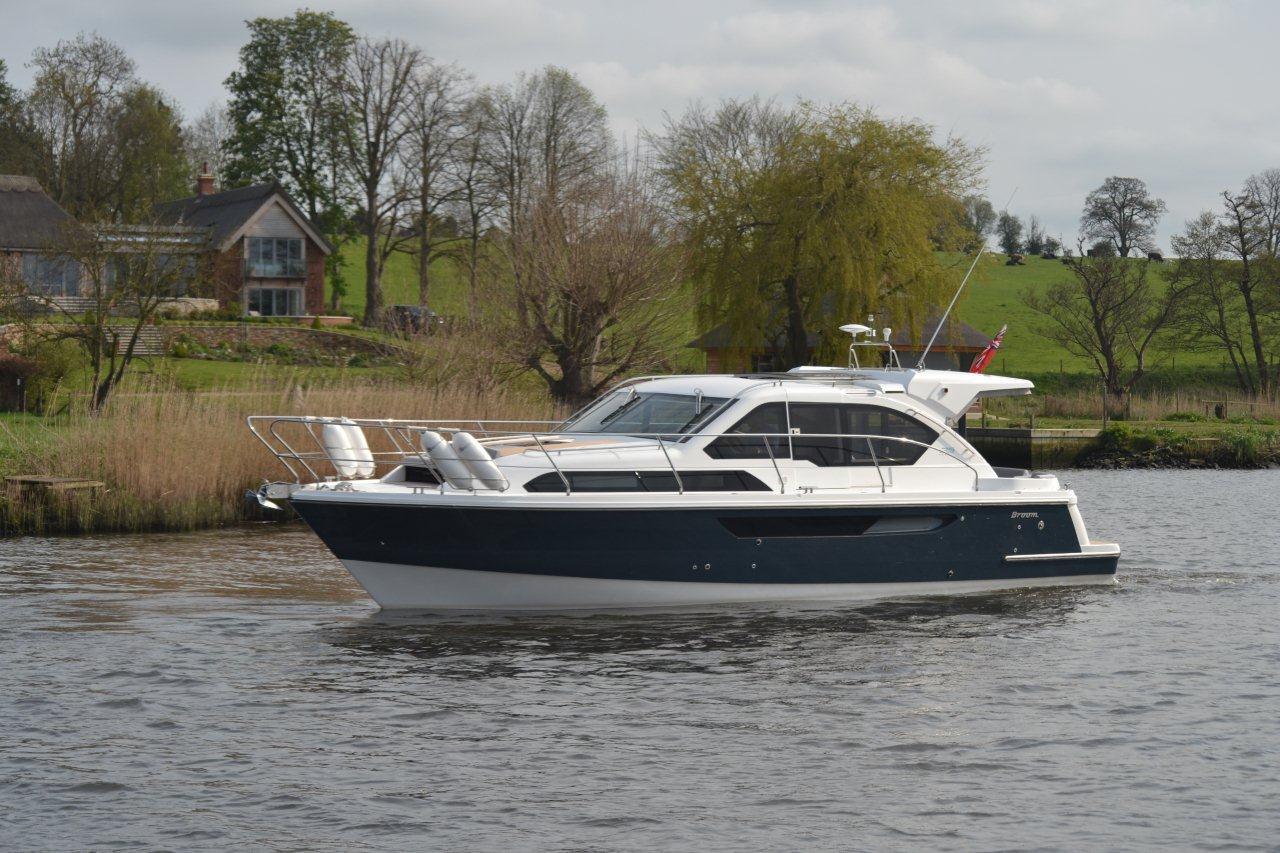 Broom 35 Coupe (similar vessel)