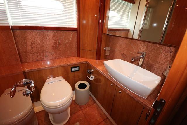 Master Cabin En suite Shower