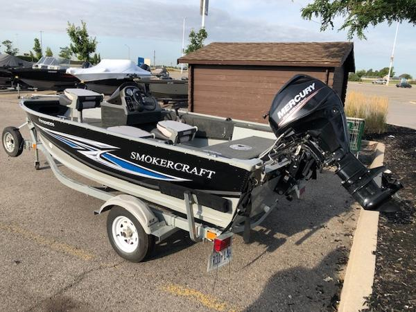 2018 Smoker Craft boat for sale, model of the boat is Resorter & Image # 1 of 7