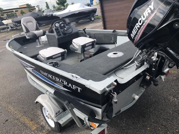 2018 Smoker Craft boat for sale, model of the boat is Resorter & Image # 4 of 7