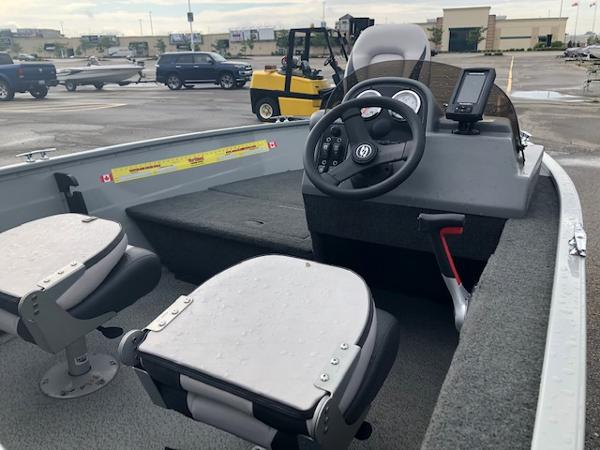 2018 Smoker Craft boat for sale, model of the boat is Resorter & Image # 7 of 7
