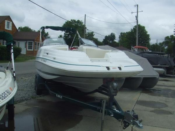 1998 CHRIS CRAFT 230 SPORT DECK for sale