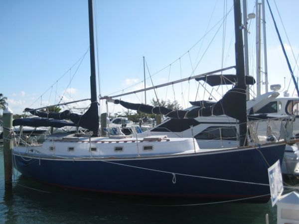 1984 Herreshoff 38 Cat Ketch