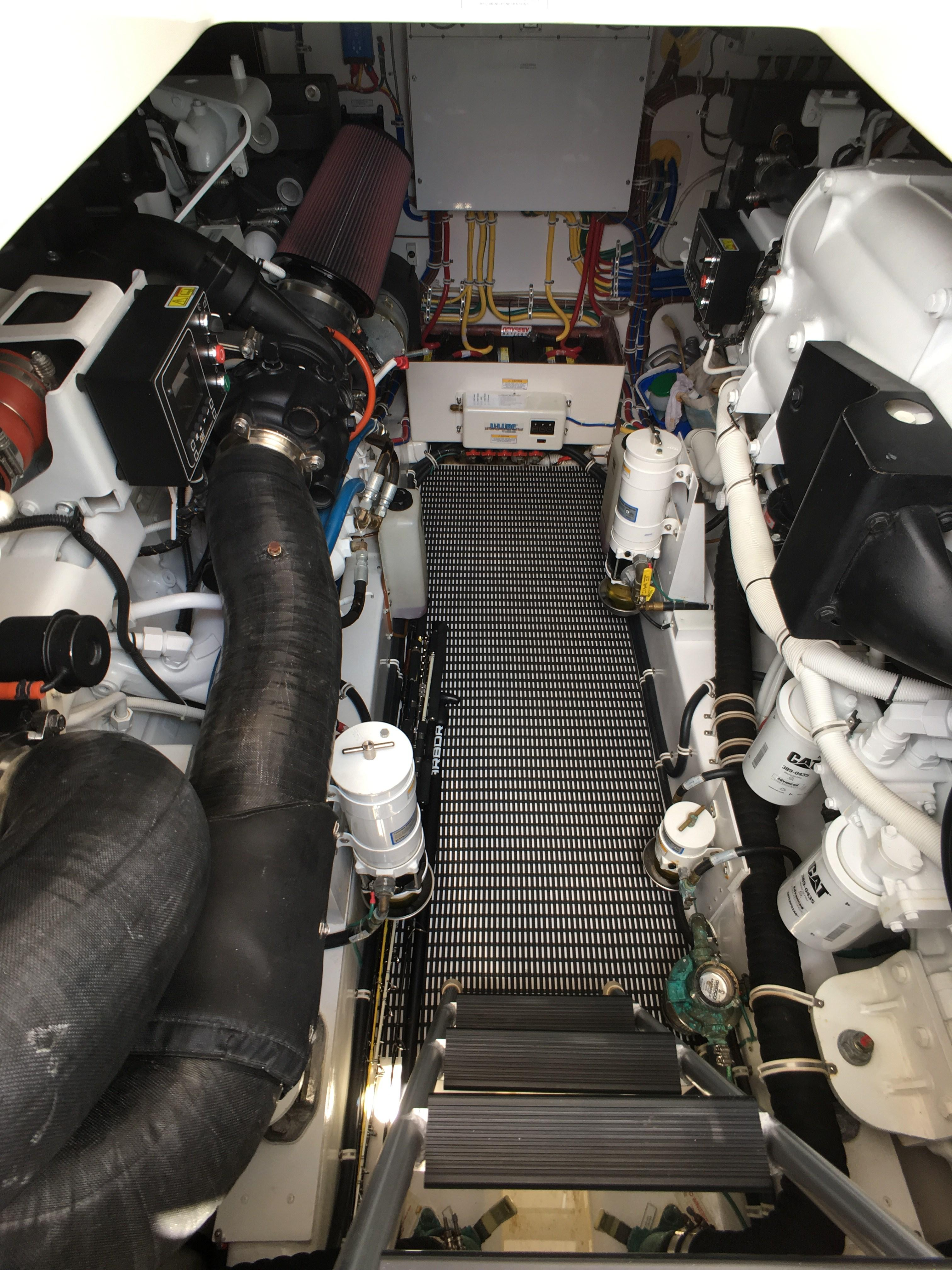 Boat Engine Room: Hatteras 45 Express Sportfish