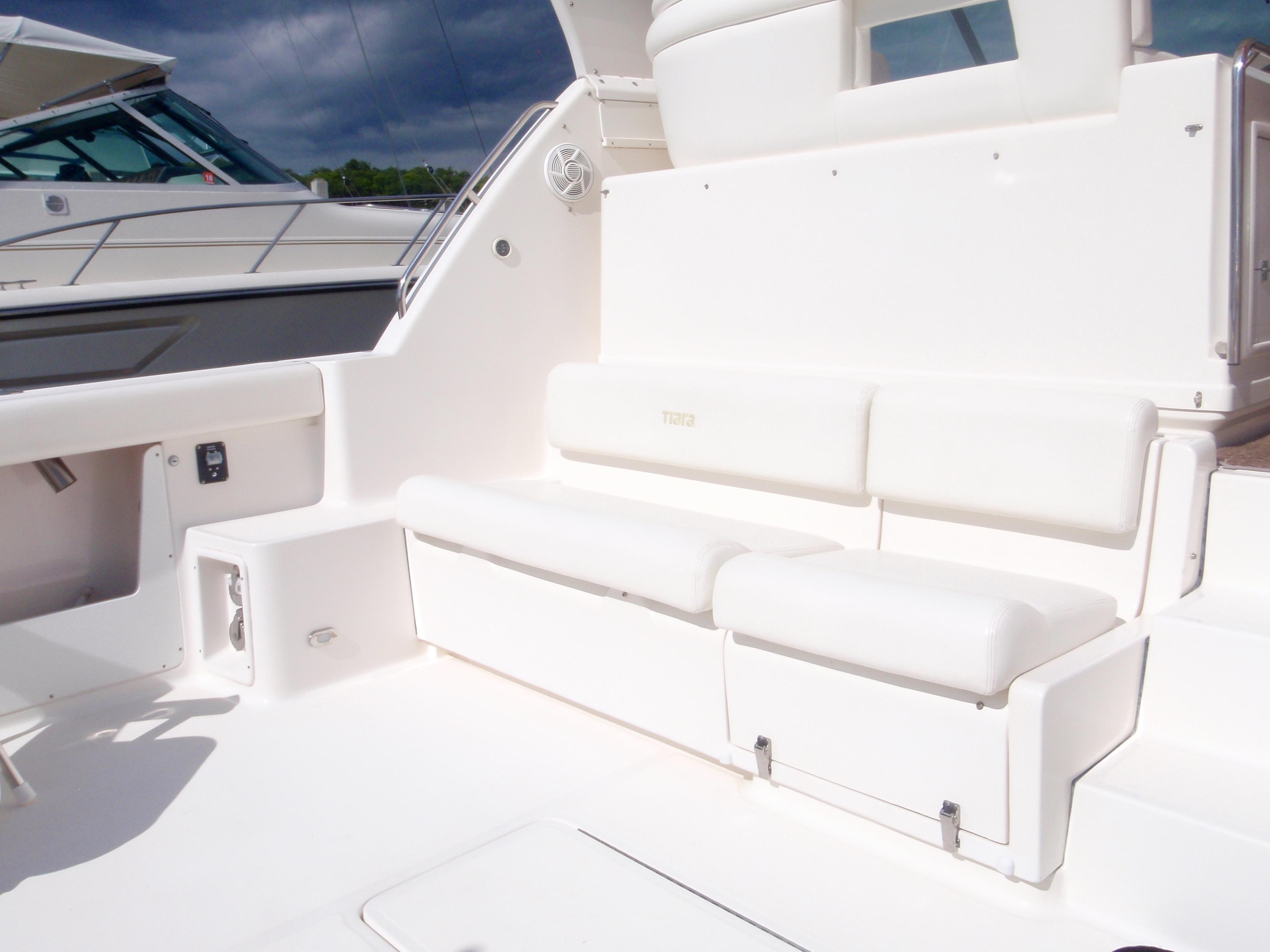 Cockpit bench