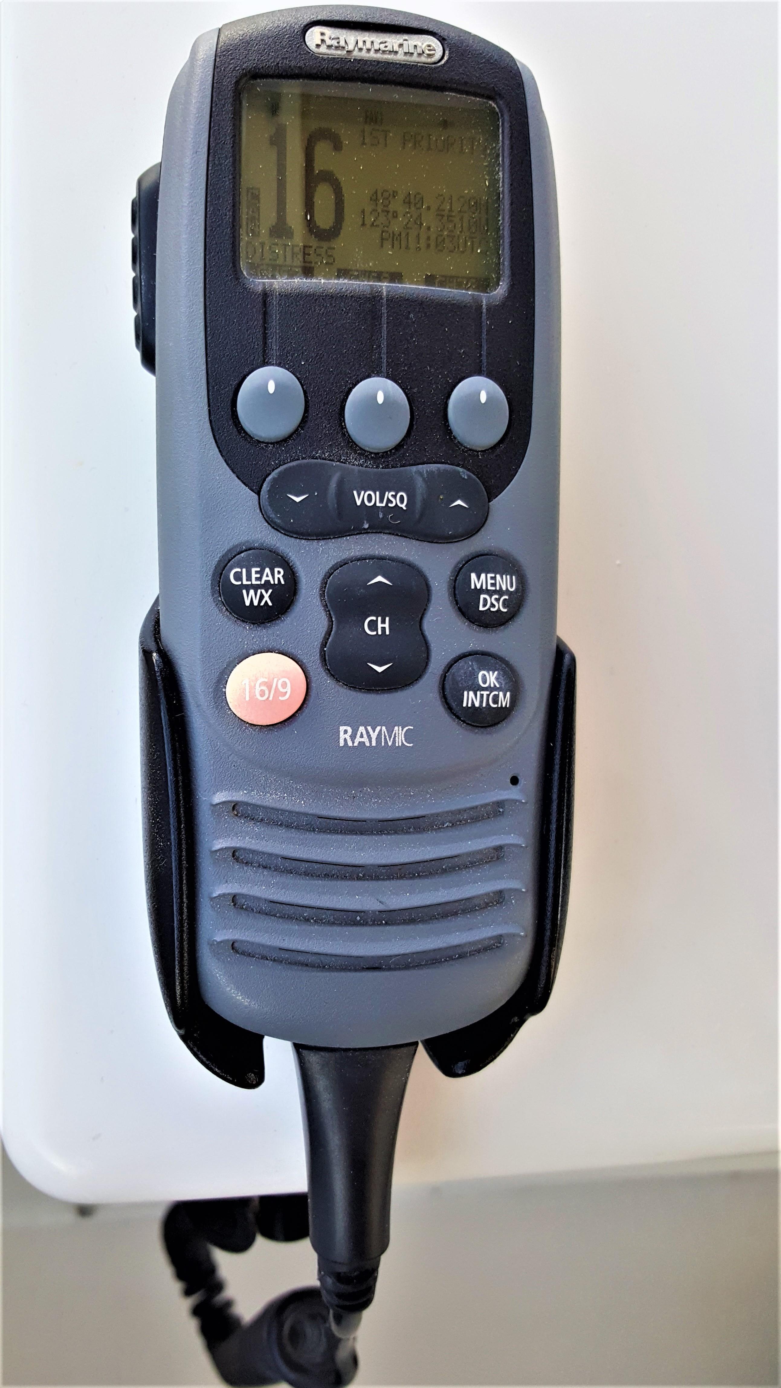 Raymarine RayMIC VHF Radio