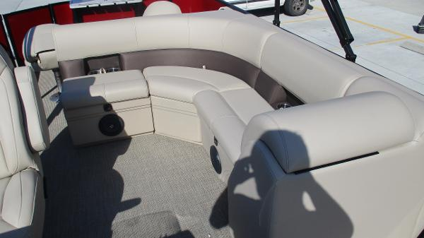 2021 Bentley boat for sale, model of the boat is 243 Fish-N-Cruise & Image # 14 of 59