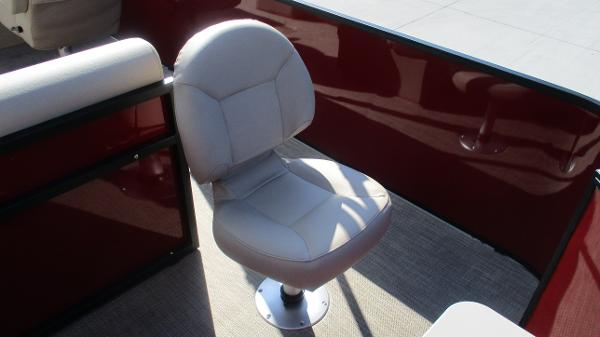 2021 Bentley boat for sale, model of the boat is 243 Fish-N-Cruise & Image # 23 of 59
