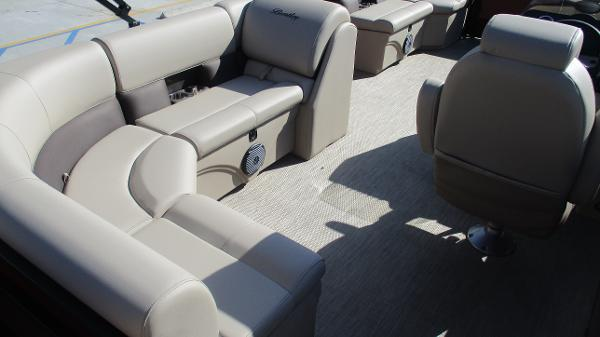 2021 Bentley boat for sale, model of the boat is 243 Fish-N-Cruise & Image # 24 of 59