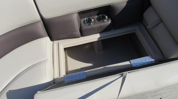 2021 Bentley boat for sale, model of the boat is 243 Fish-N-Cruise & Image # 30 of 59