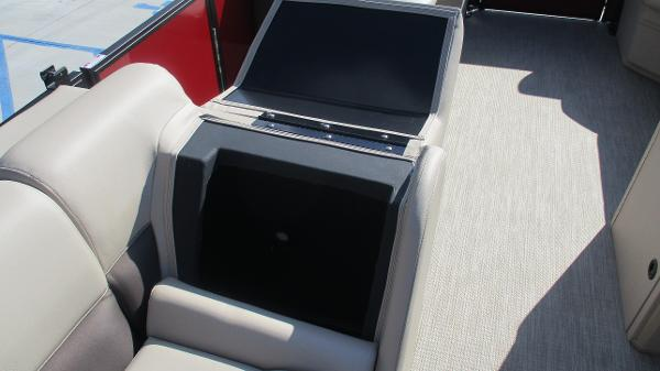 2021 Bentley boat for sale, model of the boat is 243 Fish-N-Cruise & Image # 32 of 59
