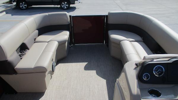 2021 Bentley boat for sale, model of the boat is 243 Fish-N-Cruise & Image # 43 of 59