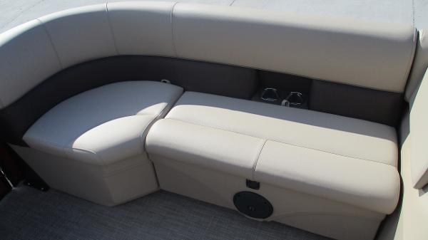 2021 Bentley boat for sale, model of the boat is 243 Fish-N-Cruise & Image # 49 of 59