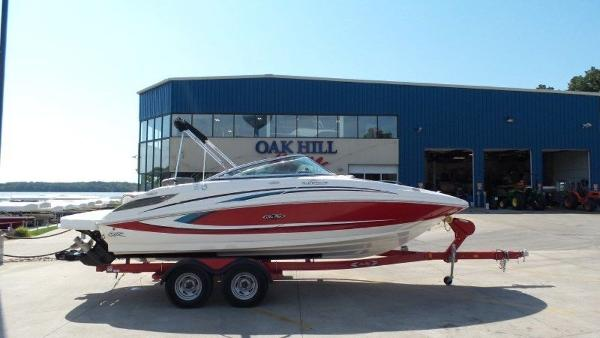 2011 SEA RAY 220 SUNDECK for sale