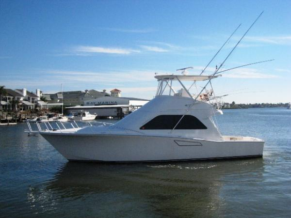 Cabo Convertible Sports Fishing Boats. Listing Number: M-3825868 43' Cabo ...