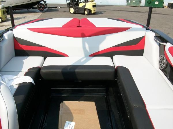 2019 Axis boat for sale, model of the boat is T22 & Image # 5 of 9