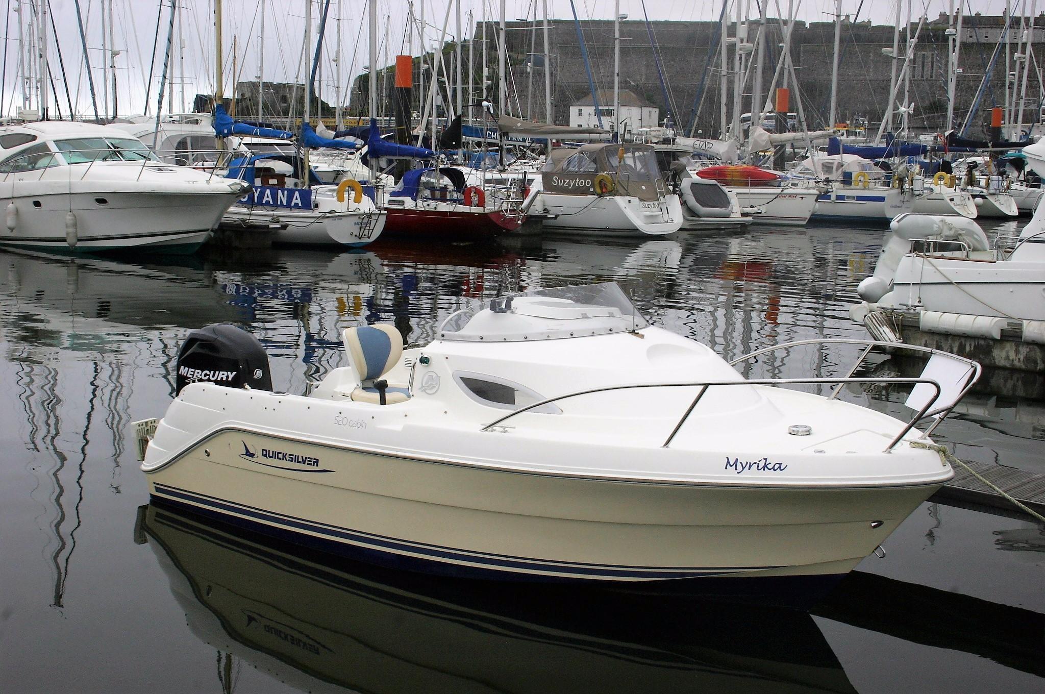 Quicksilver 520 Cruiser.